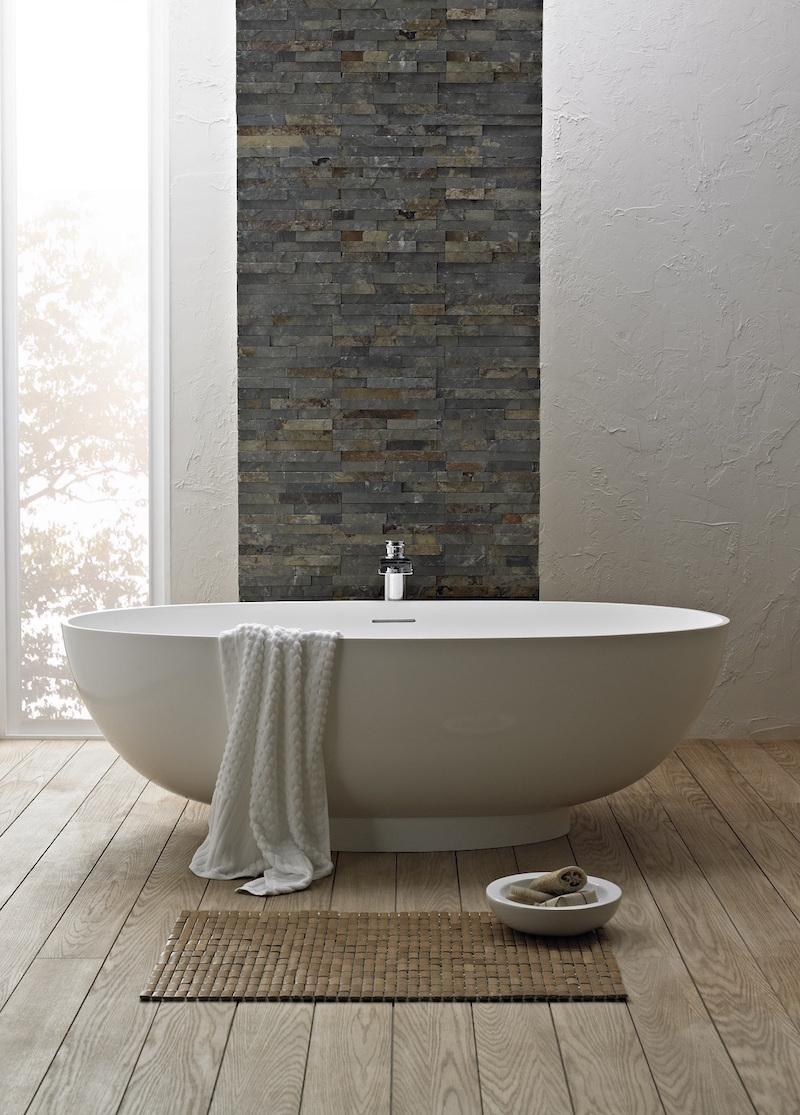 pierre naturelle dans la salle de bain