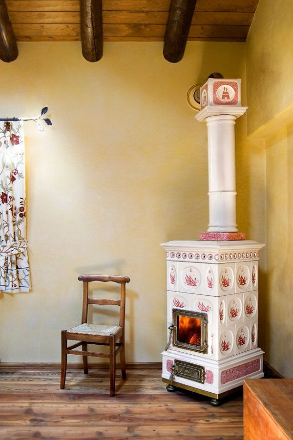 red sofa white living room design ideas for small rooms with fireplace decorative wood stoves by la castellamonte romantic ...