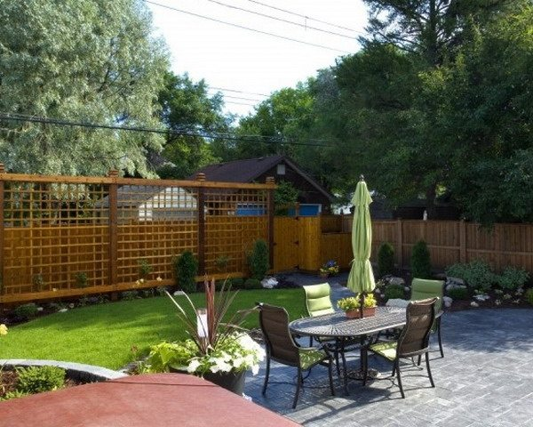 privacy fence garden wall