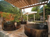 Japanese soaking tubs  charm and simplicity in the bathroom