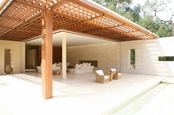 Modern pergola design arrange a beautiful seating area in