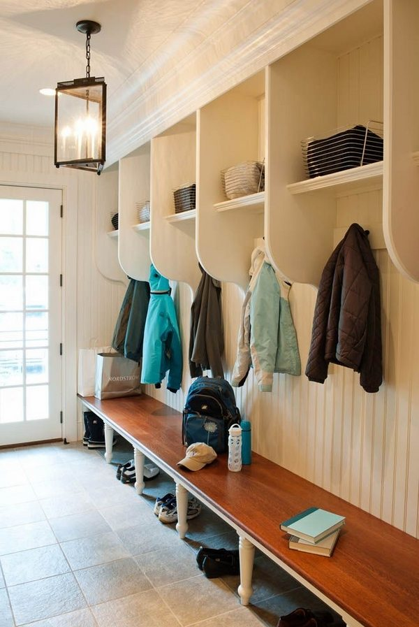 Fantastic and functional mudroom ideas to keep your home
