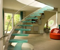 The stunning beauty of glass staircase designs
