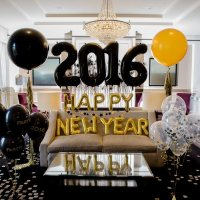 Festive balloon decorations for a fabulous New Years Eve ...