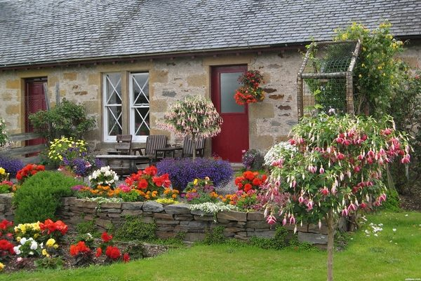 cottage gardens charming