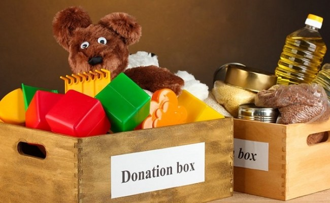 How To Declutter Your Home And Donate For A Very Merry