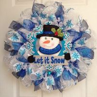 Winter wreaths ideas  how to choose the style, color and ...