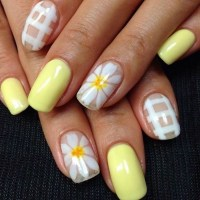 Daisy nail art ideas  cute summer nail designs with