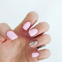 Solid color nails - classic manicure that will never go ...