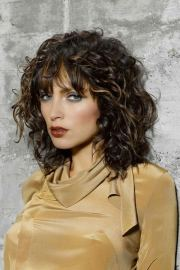 trendy shoulder length hairstyles