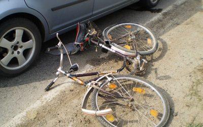 Biciclist accidentat pentru că nu a respectat regulile de circulaţie
