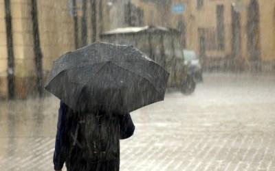 Se strică vremea: meteorologii anunță ploi abundente și vijelii