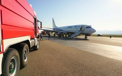 """Exercițiu la Aeroportul Internațional """"George Enescu"""" Bacău (FOTO)"""