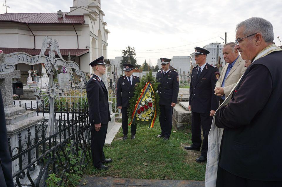 Pompierii salvatori băcăuani au comemorat eroul maior Constantin Ene