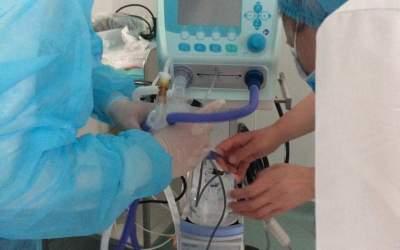 Asociația Prematurilor a donat două ventilatoare Maternității Bacău