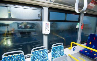 Dispensere cu dezinfectant și igienizarea autobuzelor după fiecare cursă, propunerile PNL în Consiliul Local Bacău
