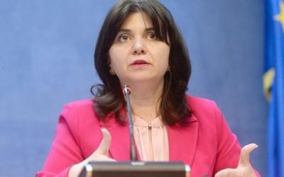 Monica Anisie: Părinții nu vor mai da declarație pe propria răspundere