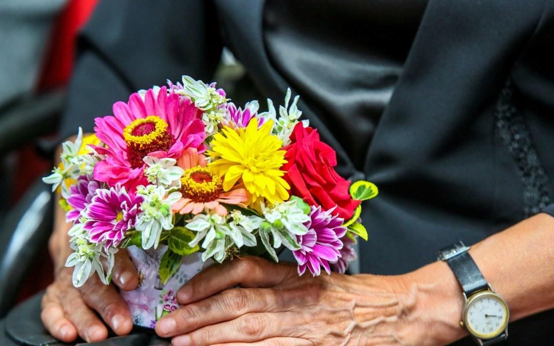 71 de cupluri care au împlinit 50 ani de căsătorie vor fi premiate de Primăria Bacău