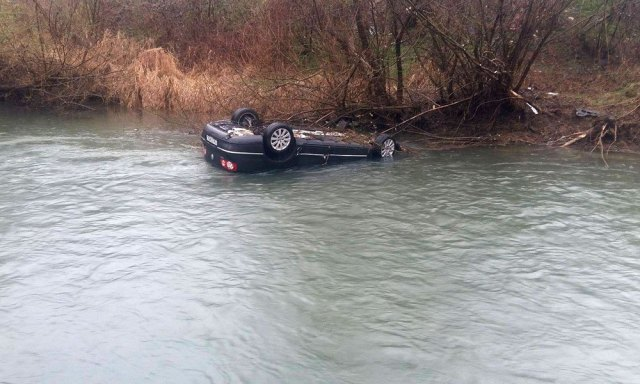 masina in apa