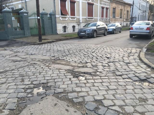 strada cu piatra cubica2