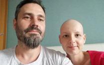 Anda, mamă a trei copii, diagnosticată cu cancer la sân