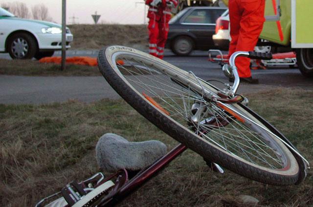 Accident între doi bicicliști, în Comloșu Mare