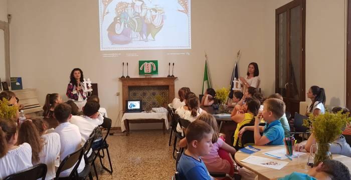 Ia românească, promovată în Italia, printre copiii românilor