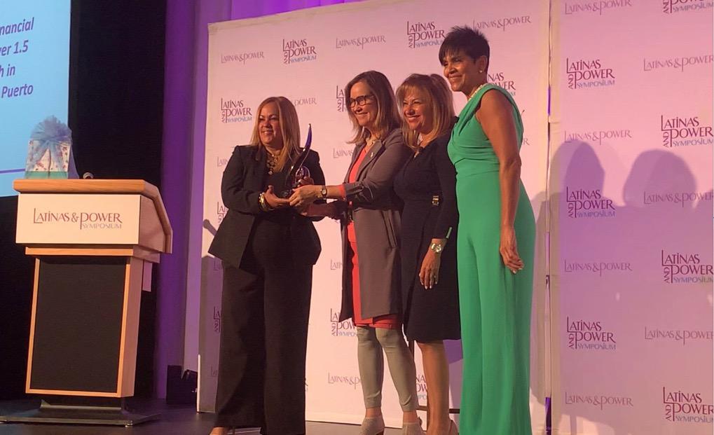Sonia Alvelo Award at the Latinas & Power Symposium