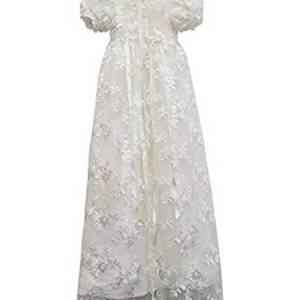 vestido cristianar con encaje