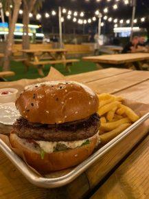 Mashsav Food Trucks - Kibbutz Shoeva - Burger