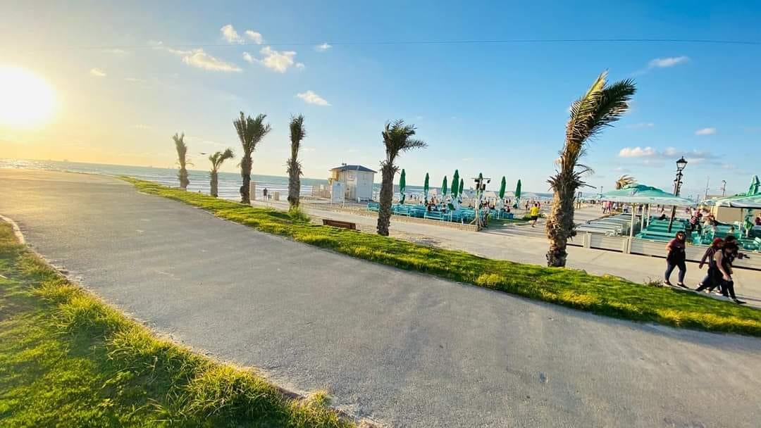 Amigos Bar - North Beach Restaurant - Kiryat Yam - Israel beach restaurants
