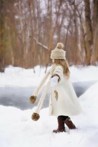 little-girl-snow