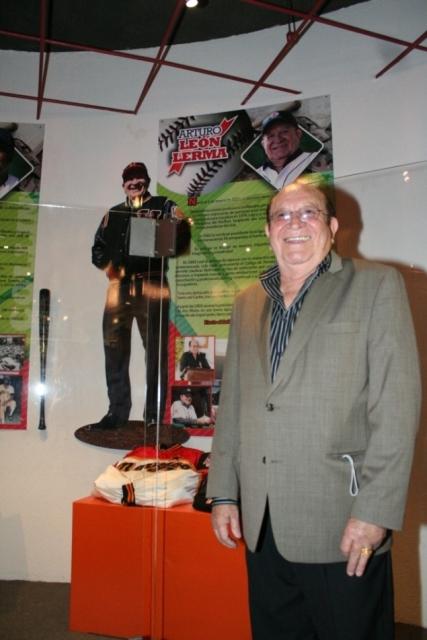 Dr. Arturo León Lerma, inmortal del Salón de la Fama del Beisbol Profesional de México
