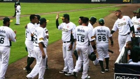Felicitación de Pericos de Puebla en juego ante Olmecas