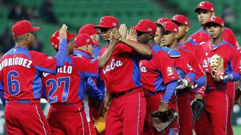 Cuba celebrando el triunfo ante Brasil
