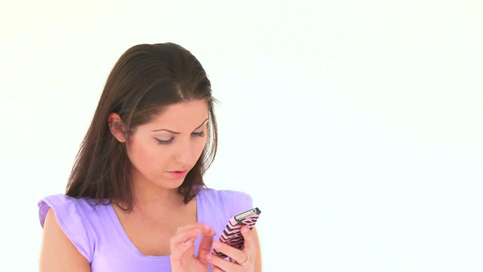 903632839-noticia-texto-sms-telefono-portatil-celular