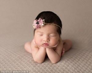 La sesión fotográfica más tierna y conmovedora con pose de ranita increíble de bebés
