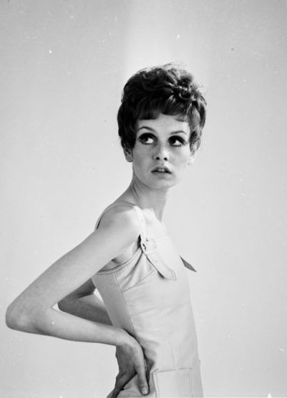 British fashion model and 60's icon, Twiggy (Lesley Hornby) modelling a short dark wig.    (Photo by McKeown/Getty Images)