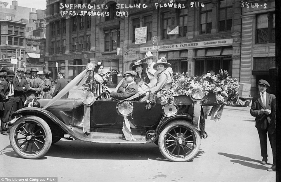 2DA0E0EB00000578-3282754-Pushing_boundaries_Suffragists_selling_flowers_on_the_streets_in-a-40_1445587040684