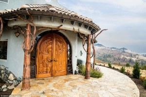 Esta casa de cuento puesta a la venta es ideal para los amantes del Señor de los anilos o El hobbit.
