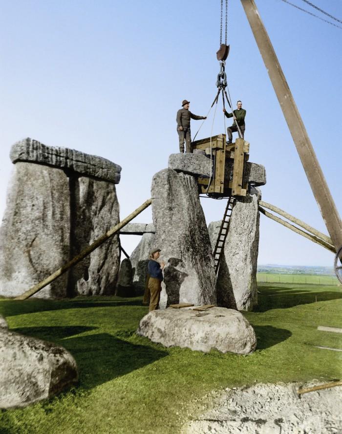 6.Stonehengecolor-700x888