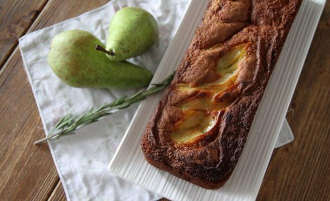 Cake poires rôties, noix du bresil & romarin