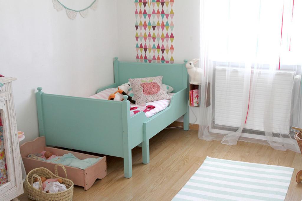 Décoration chambre enfant mint et rose