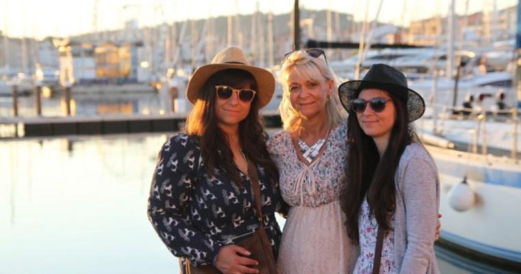 Le Cap d'Agde entre filles (enfin presque)