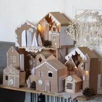 Le calendrier de l'Avent village en carton et bois