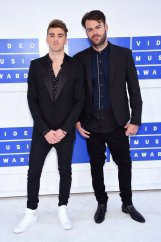 the-chainsmokers-mtv-vmas-2016