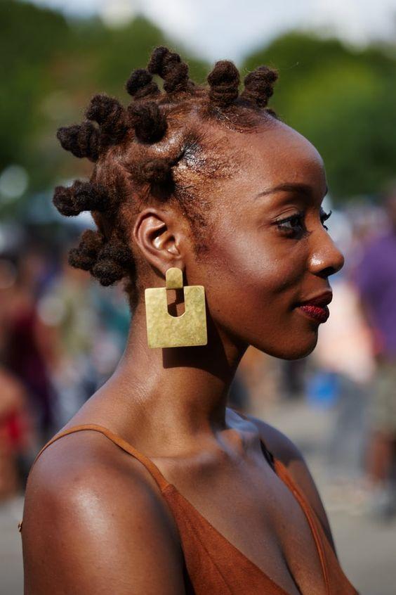 Ways to style dreadlocks
