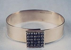 bracelet_cuffs