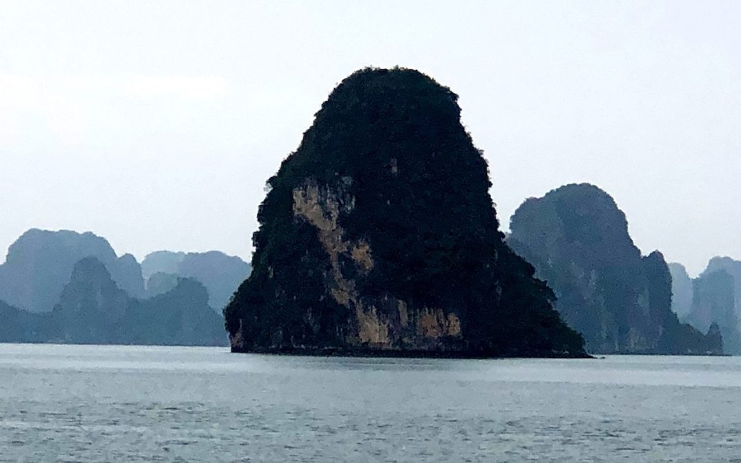Avoiding the Crowds on Ha Long Bay