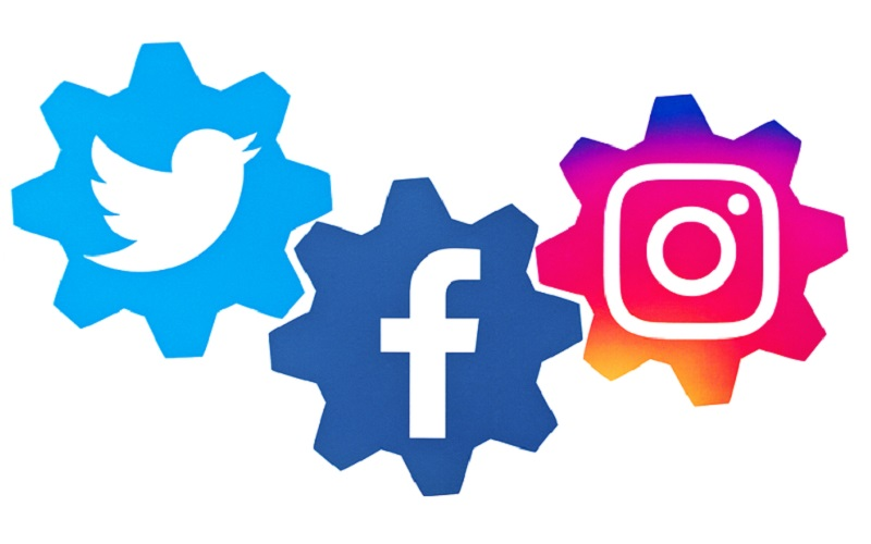 Facebook and Twitter and Instagram! Oh My!
